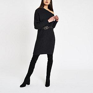 Donkergrijze trui-jurk met asymmetrische hals