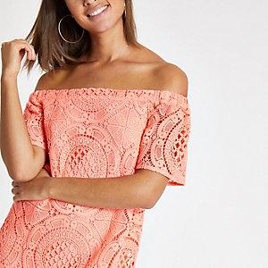 Swing-Kleid aus Spitze in Koralle