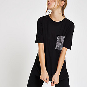 Black snake print chest pocket T-shirt