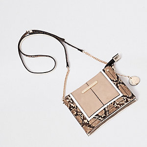 Crème mini-crossbodybuidel in slangenprint met franje