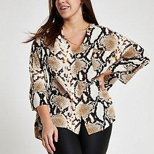 RI Plus - Beige blouse met slangenprint