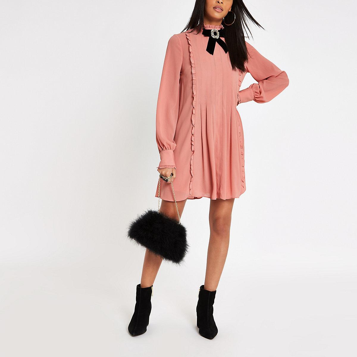 Pink jewel brooch bow swing dress