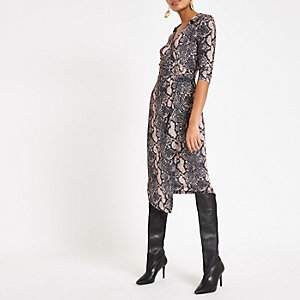 Bruine midi-jurk met overslag en slangenprint