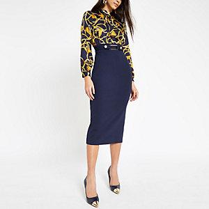 Marineblaues, hochgeschlossenes Kleid