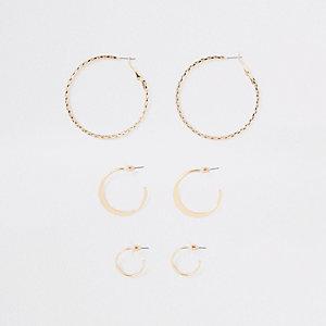 Set goudkleurige oorringen van verschillende grootte