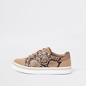 Braune Sneaker in Schlangenlederoptik