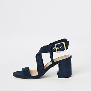 Sandales bleu marine à talon carré et brides croisées