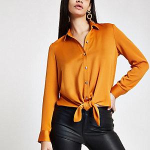 Chemise orange nouée devant
