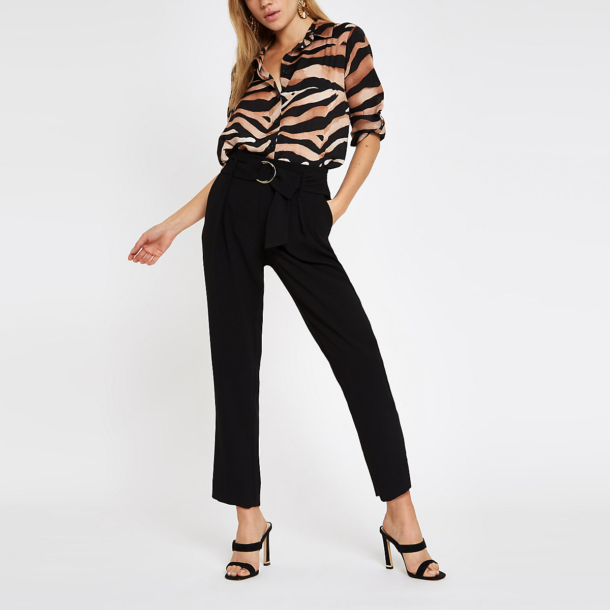 Black ring buckle tapered pants
