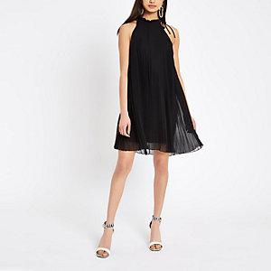 Schwarzes Swing-Kleid mit Kellerfalten