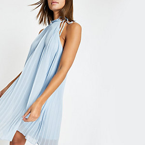 Blaues Swing-Kleid mit Kellerfalten