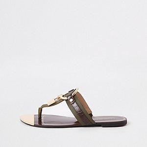 Khaki padlock flat sandal