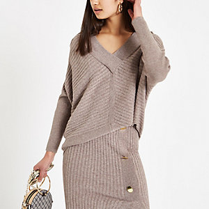 Beige V neck long sleeve jumper