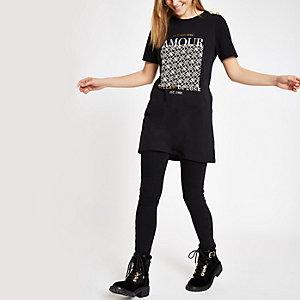 T-shirt «Amour» noir à bouton