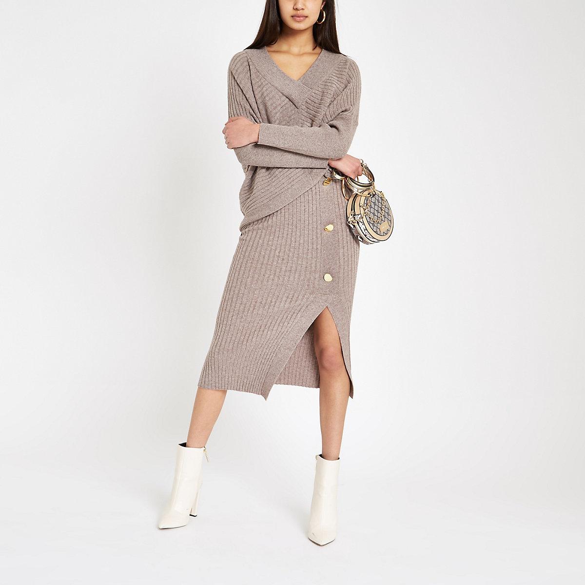 Geribbelde beige midi-jurk met knopen
