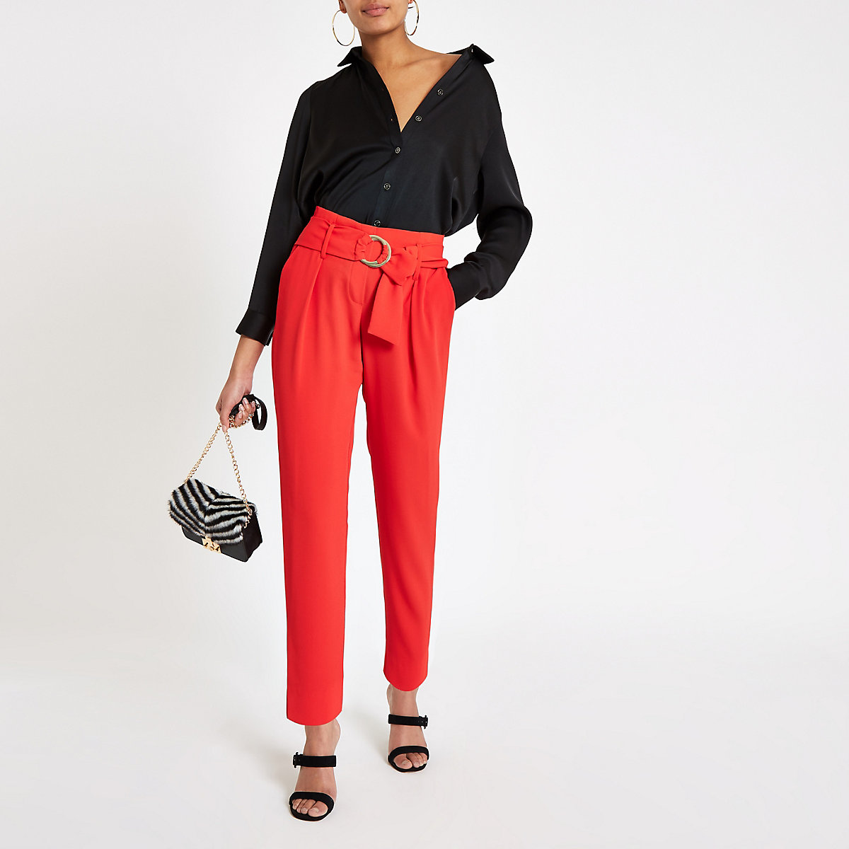 Red ring tie belt tapered trousers