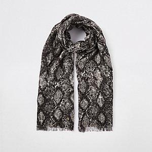 Witte sjaal met slangenleerprint