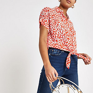 Red spot tie front short sleeve shirt