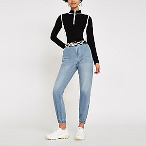 Blaue Jogging-Jeans