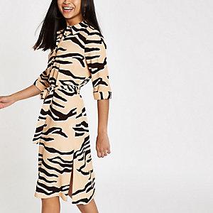 Petite – Beiges Blusenkleid mit Tigerprint