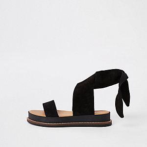 Zwarrte suède sandalen met strikbandjes