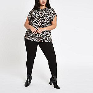 Plus brown leopard button shoulder T-shirt