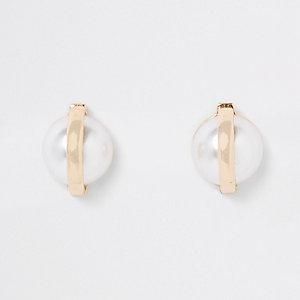 Clous d'oreilles dorés avec perles