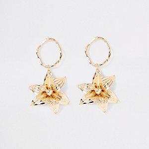 Gold color flower drop earrings