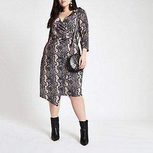 Plus – Robe portefeuille mi-longue imprimé serpent rose