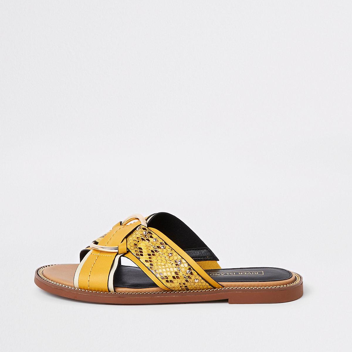 Yellow cross strap ring flat sandals