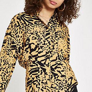 Chemise orange imprimé léopard taille serrée