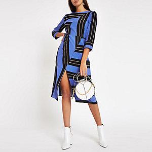 Blauw gestreepte midi-jurk met split voor