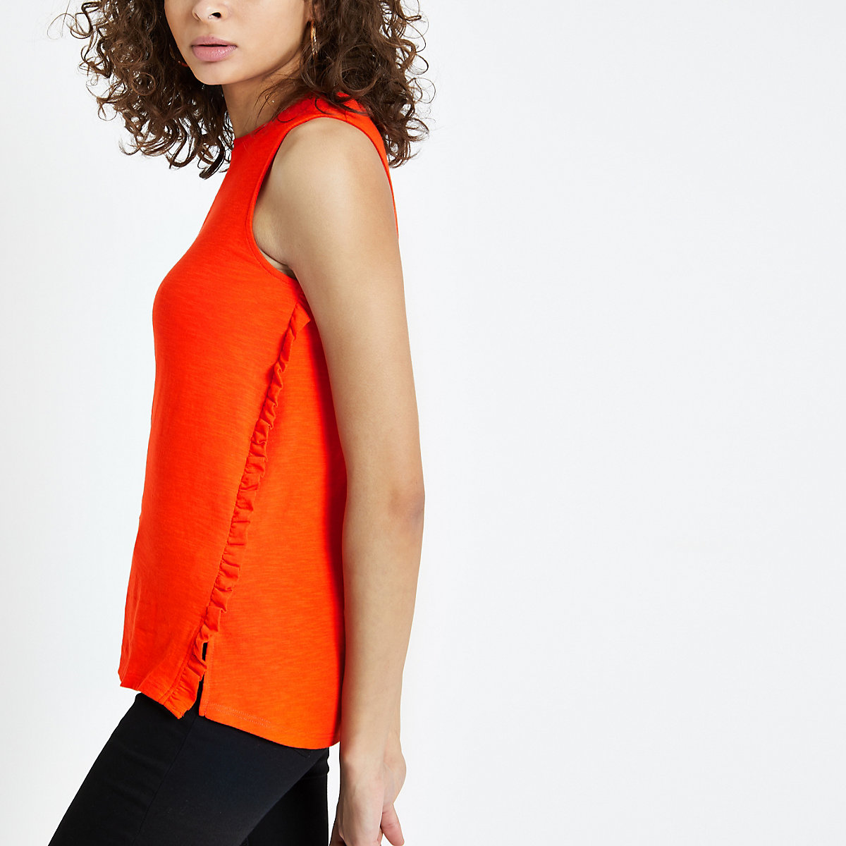 Red frill trim cut out tank
