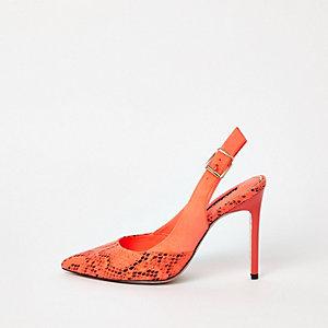 Oranje pumps met slangenprint en slingback