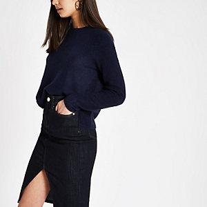 Marineblauwe gebreide cropped pullover met lange mouwen