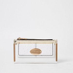 White oval RI branding fold out purse