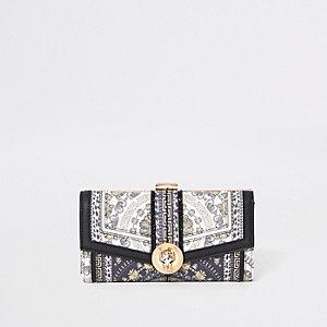 Zwarte portemonnee met jaguarprint en druksluiting
