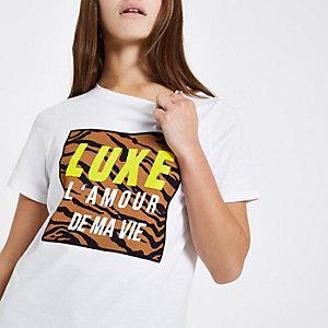RI Petite - Wit T-shirt met 'Luxe'- en tijgerprint
