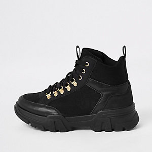 Zwarte stevige vetersneakers