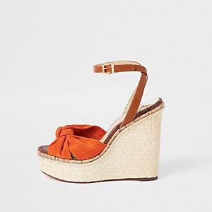 Oranje sandalen met bandje en hak