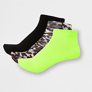 Green animal print sneaker socks 3 pack