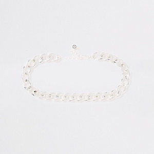 Silver color chunky curb chain choker