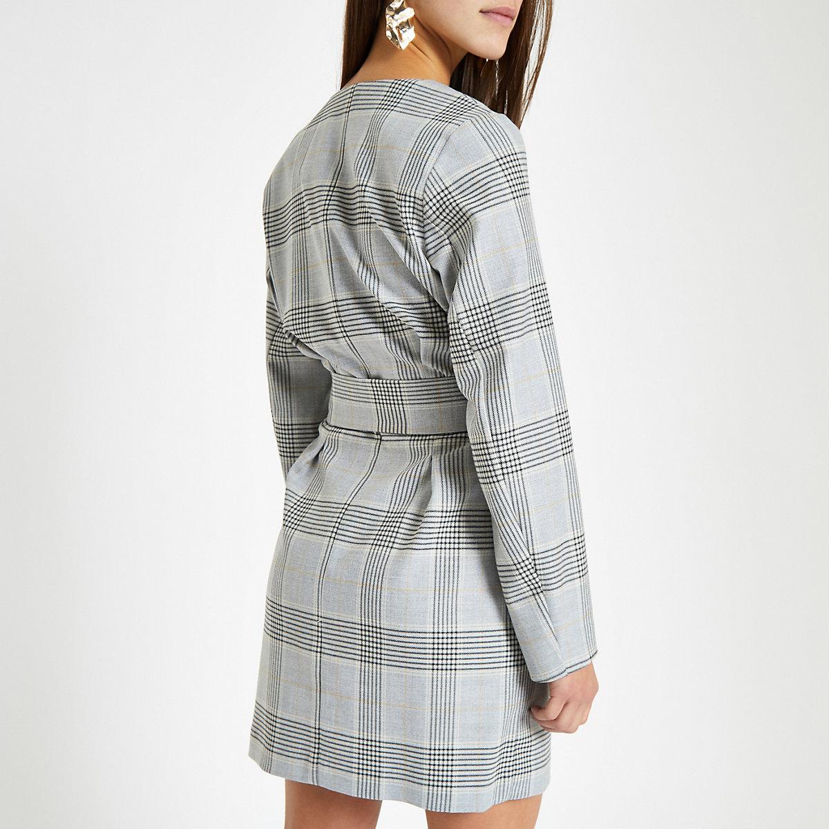Petite – Robe portefeuille à carreaux grise avec ceinture - Robes ... 2d6c5b44eac
