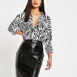 Schwarzes Langarmhemd mit Zebra-Print
