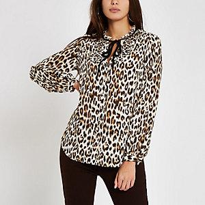 Chemisier marron à col noué et motif léopard