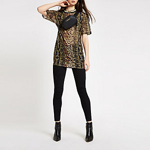 Black animal print short sleeve mesh top