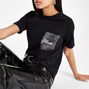 Black camo print pocket T-shirt