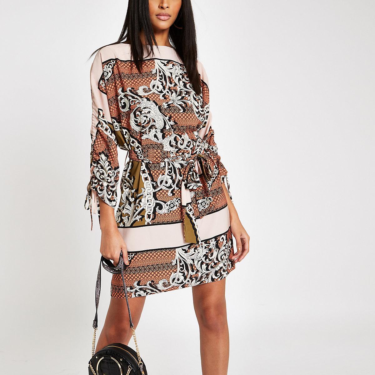 Brown chain print tie waist swing dress