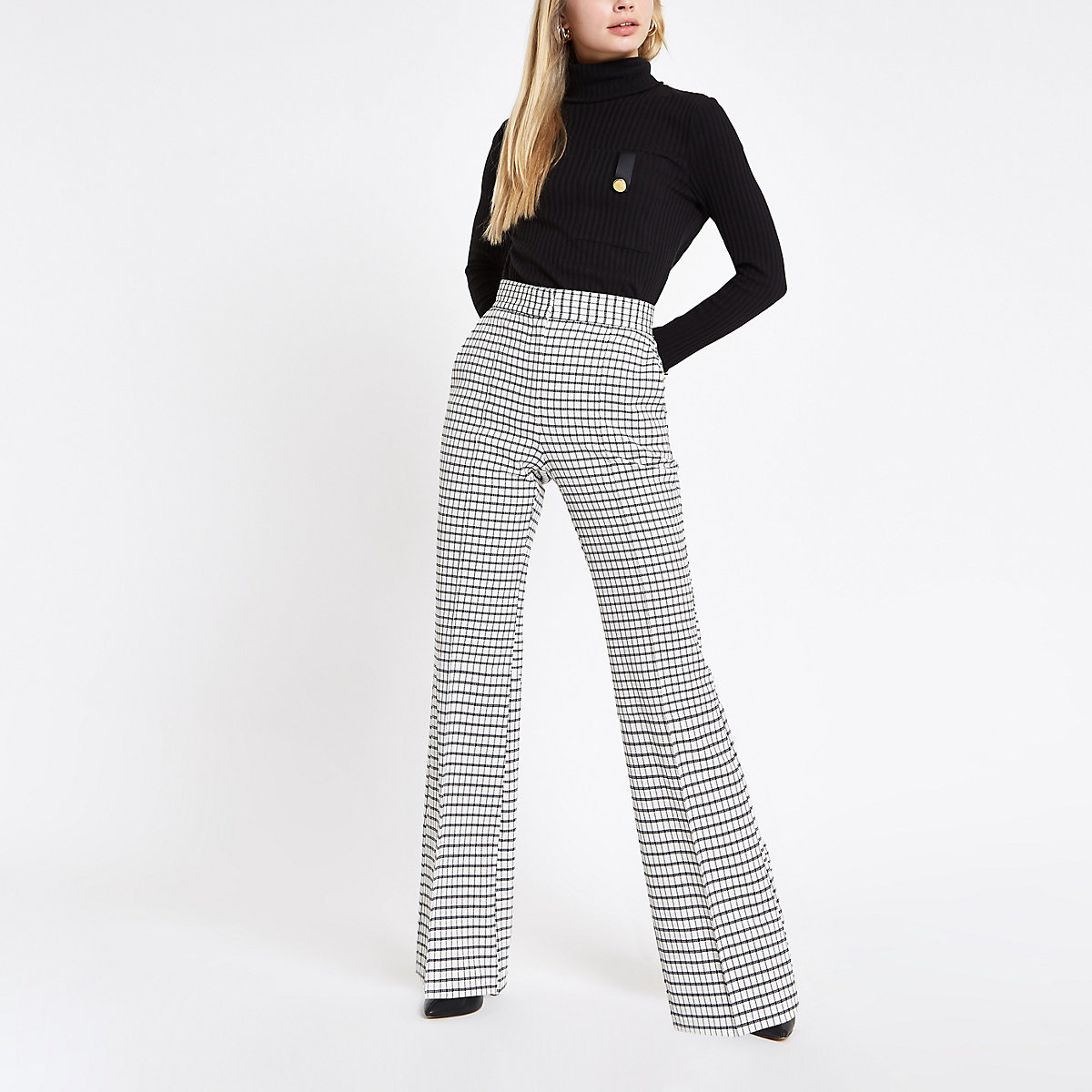 White check flare pants
