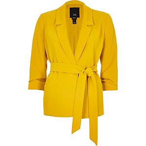 Petite – Blazer jaune à ceinture avec manches froncées